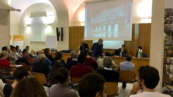 Il commissario Ricciardi a fumetti: quando la letteratura attraversa i media