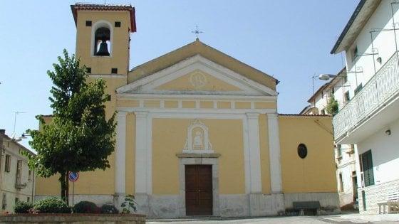 Furto nella chiesa di Pertosa, rubati monili in oro