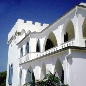 Lavori all'ex villa di Luchino Visconti a Ischia, 6 indagati