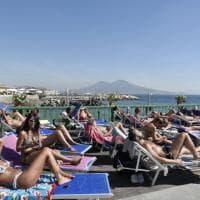 Napoli, boom per il mare d'autunno