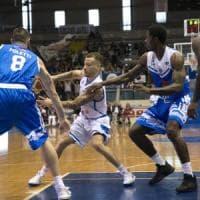 Basket, serie A2Napoli, altro stop: al Palabarbuto passa Latina