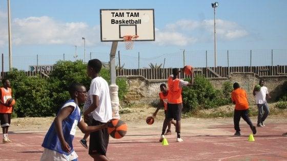 Tam Tam Basket il sogno continua: la squadra dei figli di immigrati salvata dalla legge di bilancio