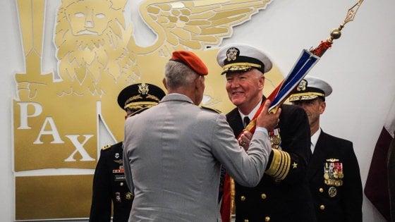 """Nato, cambio di comando, lascia la donna dei record, ecco Foggo: """"A Napoli come a casa..."""""""
