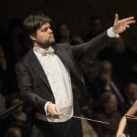 San Carlo, Valcuha inaugura la stagione sinfonica