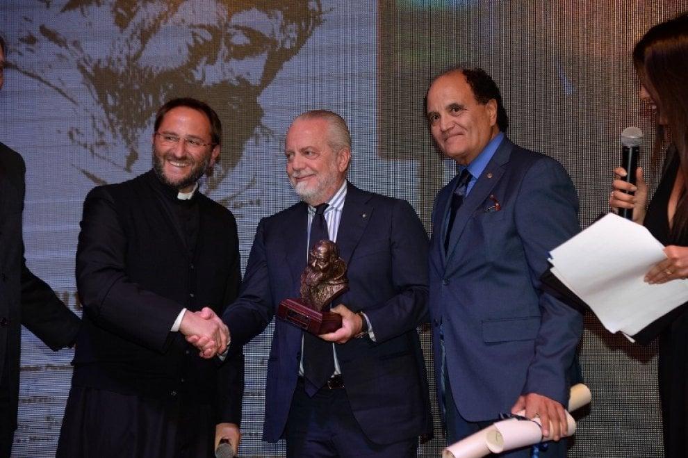 Al presidente De Laurentis il Premio Padre Pio