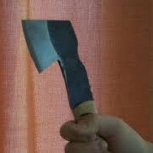 """Uccise con l'ascia i genitori: assolto """"satanista"""" ad Avellino"""