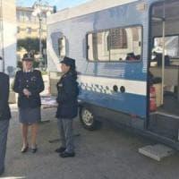 Benevento, davanti allo stadio c'è il camper della questura contro la violenza di Genere