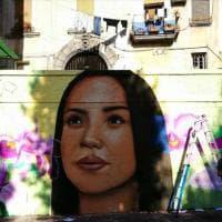 La bellezza dopo il dolore: Titta, sorella di Genny Cesarano, diventa modella per un murale al Rione Sanità