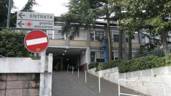 Falsi referti per incidenti, licenziato medico a Napoli