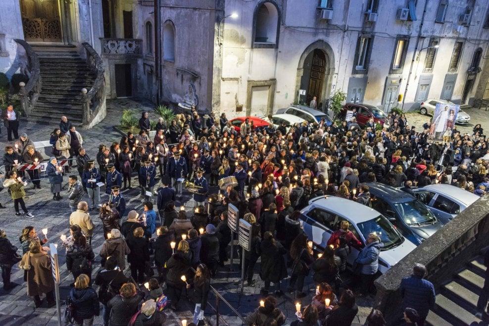 Napoli, processione in onore di San Giuseppe Moscati a 90 anni dalla morte