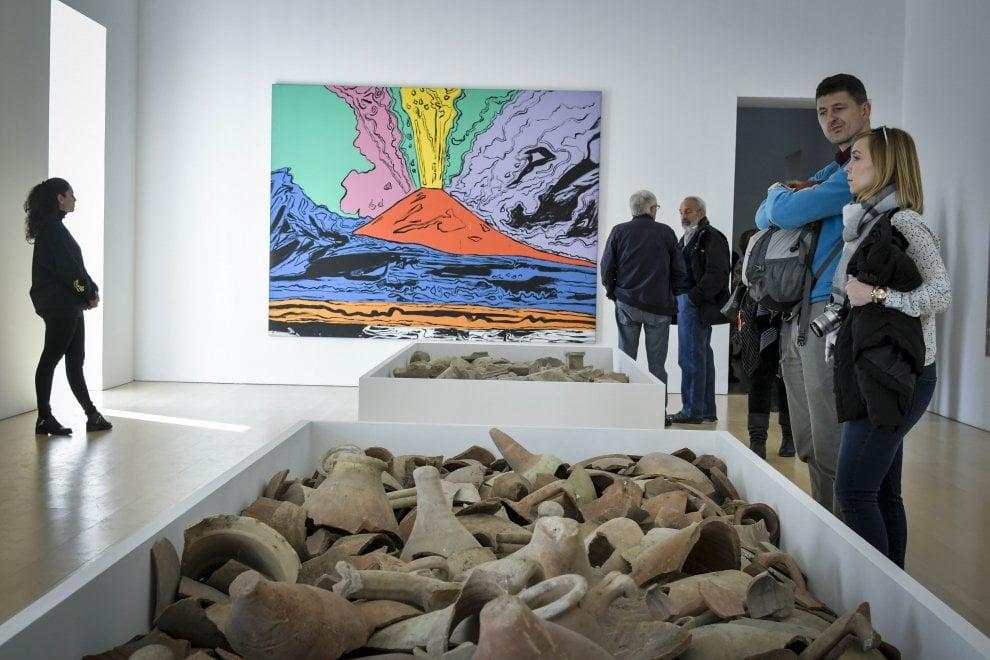 Famoso Dagli scavi al Madre: reperti tra le opere d'arte contemporanea  MK29