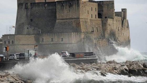 Meteo, lunedì allerta maltempo sulla Calabria: burrasca e mareggiate in arrivo
