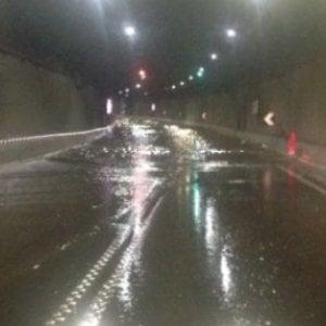 Maltempo, esondazioni nel Napoletano e strade interrotte nel Salernitano