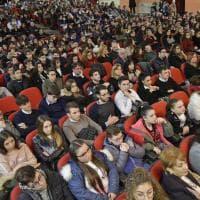 Immigrati, Ius soli e lotta alla camorra: il presidente Grossi in campo con gli studenti