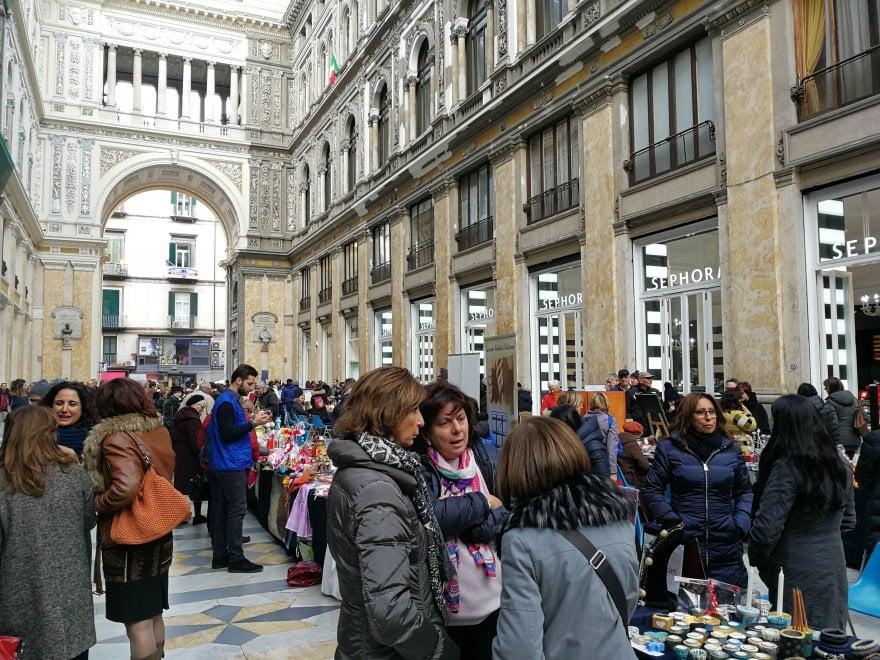 Galleria Umberto, mercatino con i prodotti dei detenuti