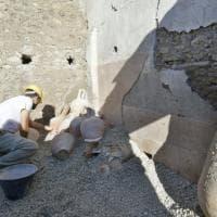 Pompei, scoperto un deposito con 15 anfore