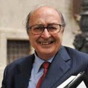 Addio all'avvocato Maurizio De Tilla