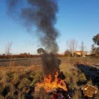 Casal di Principe, bruciavano rifiuti pericolosi: 7 arresti