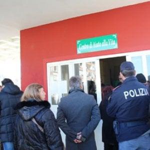 Benevento, inaugurato il centro Aiuto alla vita. Protesta dei centri sociali