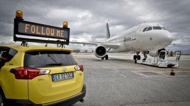 Napoli batte Milano e Roma: è l'aeroporto con meno ritardi per le festività natalizie