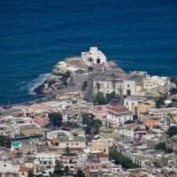 Legambiente, il 51 per cento delle coste italiane è cementificato