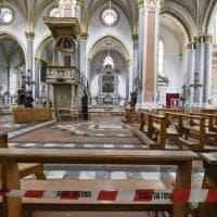 Giù le vetrate anche a San Domenico Maggiore, transenne all'interno della basilica
