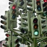 Dopo i semafori aboliamo i vigili