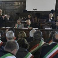 """Migranti, firmato a Napoli il protocollo sulla """"nuova accoglienza"""": sperimentazione a..."""
