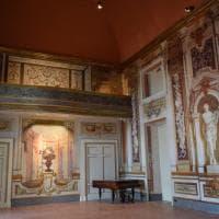 Dai teatri privati alle residenze affrescate: alla scoperta di Napoli insolita e segreta