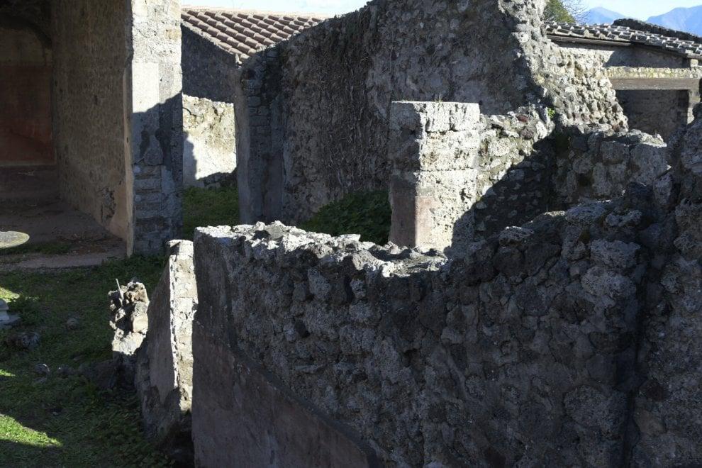 Pompei crollo nella casa della caccia ai tori 1 di 1 for Aiuto nella progettazione della casa