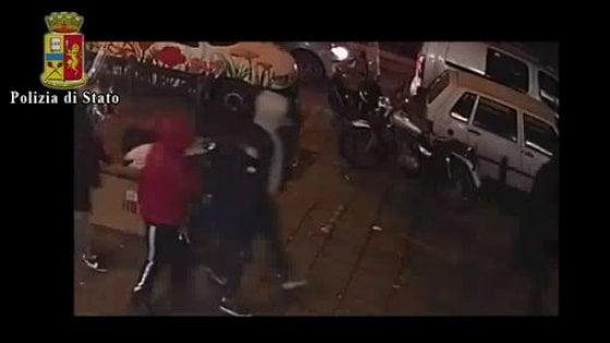 Napoli, 17enne accoltellato, svolta nelle indagini: fermato un quindicenne
