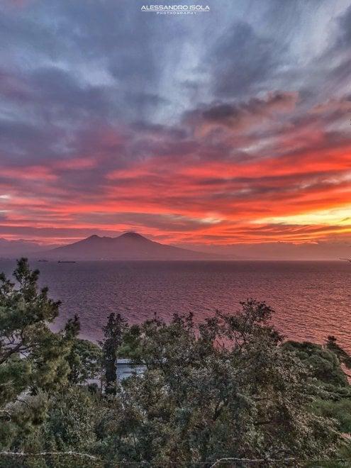 La prima alba del 2018 a Napoli