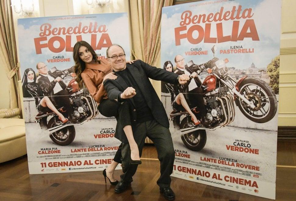 Napoli, Carlo Verdone presenta il nuovo film all'hotel Vesuvio