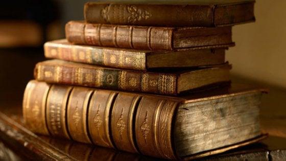 Vendeva su internet libri antichi rubati, denunciato