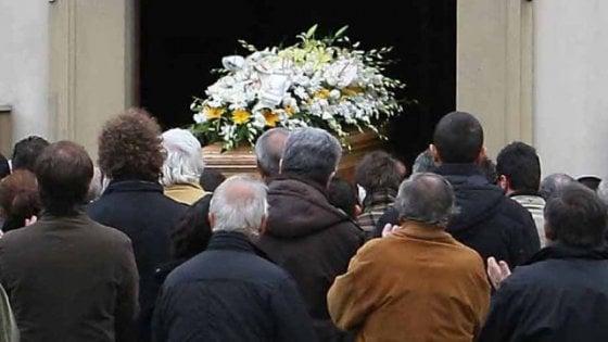 Non 'lasciò' fare il funerale all' agenzia del clan, ucciso per punizione