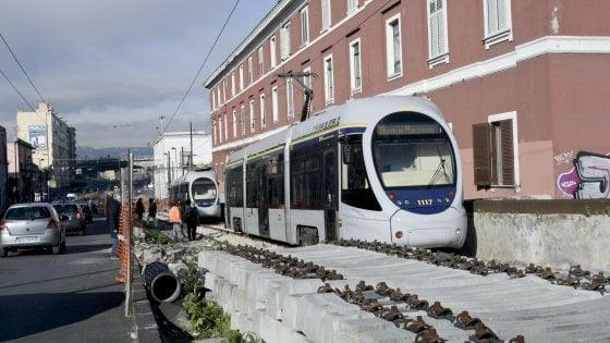 Il ritorno dei tram, sfilata di prova: c'è anche il giallo-blu del 1930
