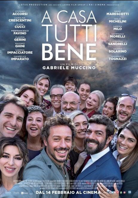 """""""A casa tutti bene"""", la locandina ufficiale del film di Muccino girato a Ischia"""