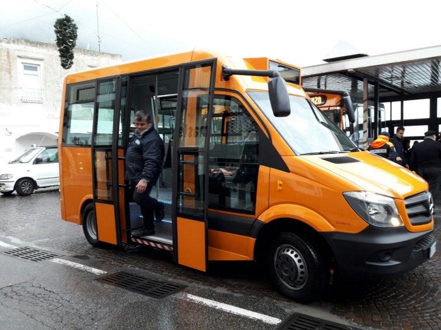 Piccolo e compatto, ecco il nuovo autobus realizzato per Capri
