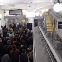 Anm due blocchi: corse ferme, protestano i dipendenti impresa di pulizia Samir
