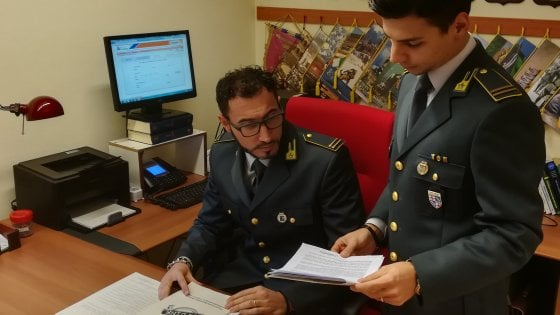 Napoli, finte analisi mediche a defunti, sequestro di beni per 40 mila euro