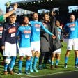 Napoli, fuga di mezzogiorno: più 4 sulla Juve   L'esultanza della squadra/video