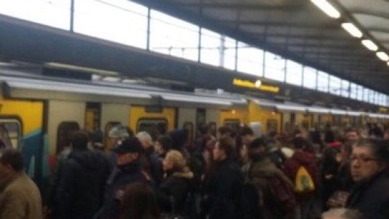 Napoli, è caos trasporti: bloccate metropolitane e bus