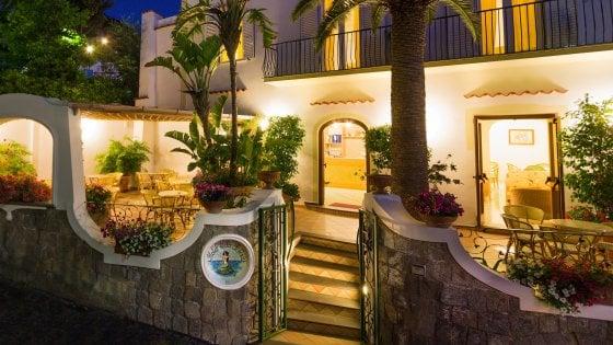 Più forte del sisma, TripAdvisor premia un hotel di Casamicciola: ha le migliori tariffe al mondo