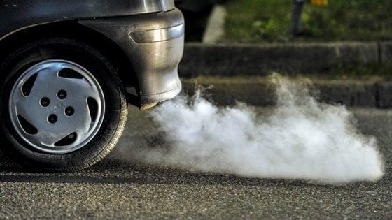 Napoli tra le tre città italiane peggiori per la qualità dell'aria e lo smog secondo l'Ue