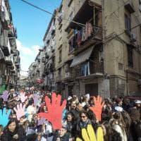 Carnevale per lo Ius Soli al rione Sanità: duemila ragazzi sfilano nel quartiere