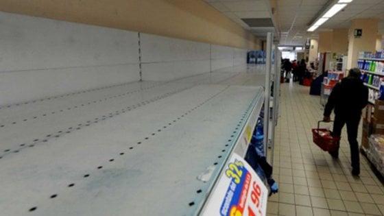 Avellino: allarme acqua infetta, presi d'assalto i supermercati
