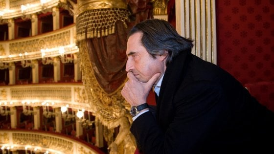 """Teatro San Carlo, aperte le vendite per """"Così fan tutte"""" diretto da Riccardo Muti"""
