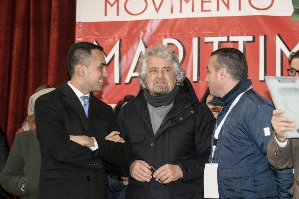 Elezioni, Di Maio e Grillo contro il Jobs act