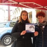 """Potenza, San Valentino in piazza per la campagna """"Questo non è amore"""""""