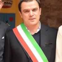 Potenza, in fiamme l'auto del sindaco di Corleto Perticara: